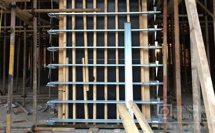方柱扣施工